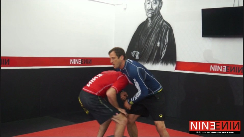 Guillotine Choke – Posture Out 2