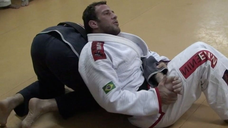 Side Control to Armbar (in Portuguese)