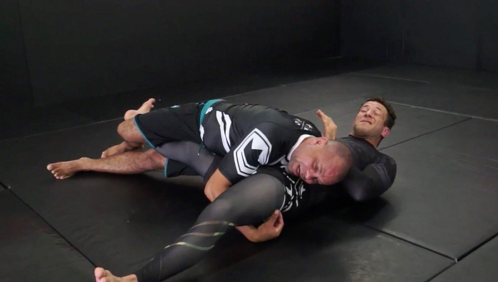 Jiu-Jitsu Half Guard Pass